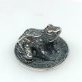 Статуэтка Лягушонок на монете