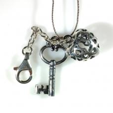Брелок сердце с ключом