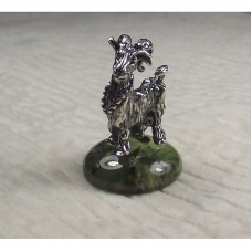 Статуэтка Коза на камне пренит